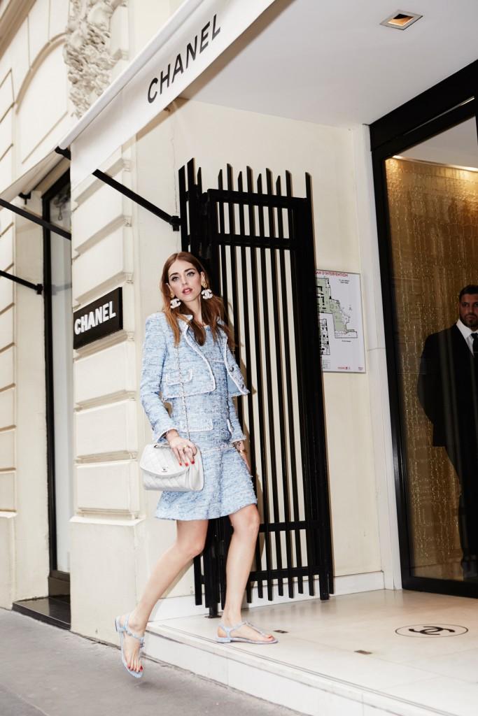 essayage english ⚜️ caftan zeineb en brocard, swarovski et fil d'or by sublime collection haute couture essayage sur rdv ⚜️ 🏢45 rue revel 83000 toulon 📱0698174458 / 0651034275.