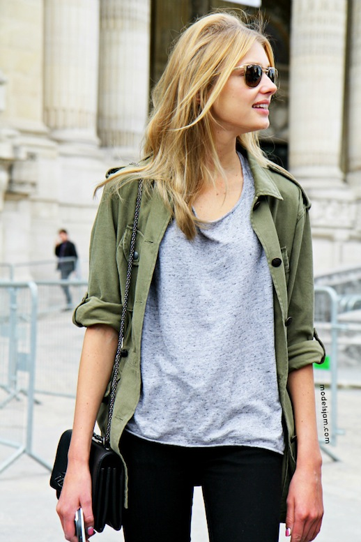 12-Le-Fashion-Blog-15-Ways-To-Wear-A-Green-Army-Jacket-Model-Street-Style-Sigrid-Agren-Grey-Tee-Black-Jeans-Via-Models-Jam